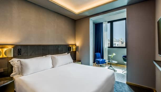 Hotel Room Mate Gerard